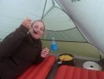 Das erste Mal essen im Zelt ist angesagt!:)