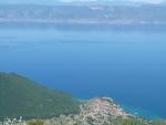 Gegenüber liegt Albanien