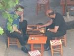 Backgammon, wird an jeder Ecke gespielt...
